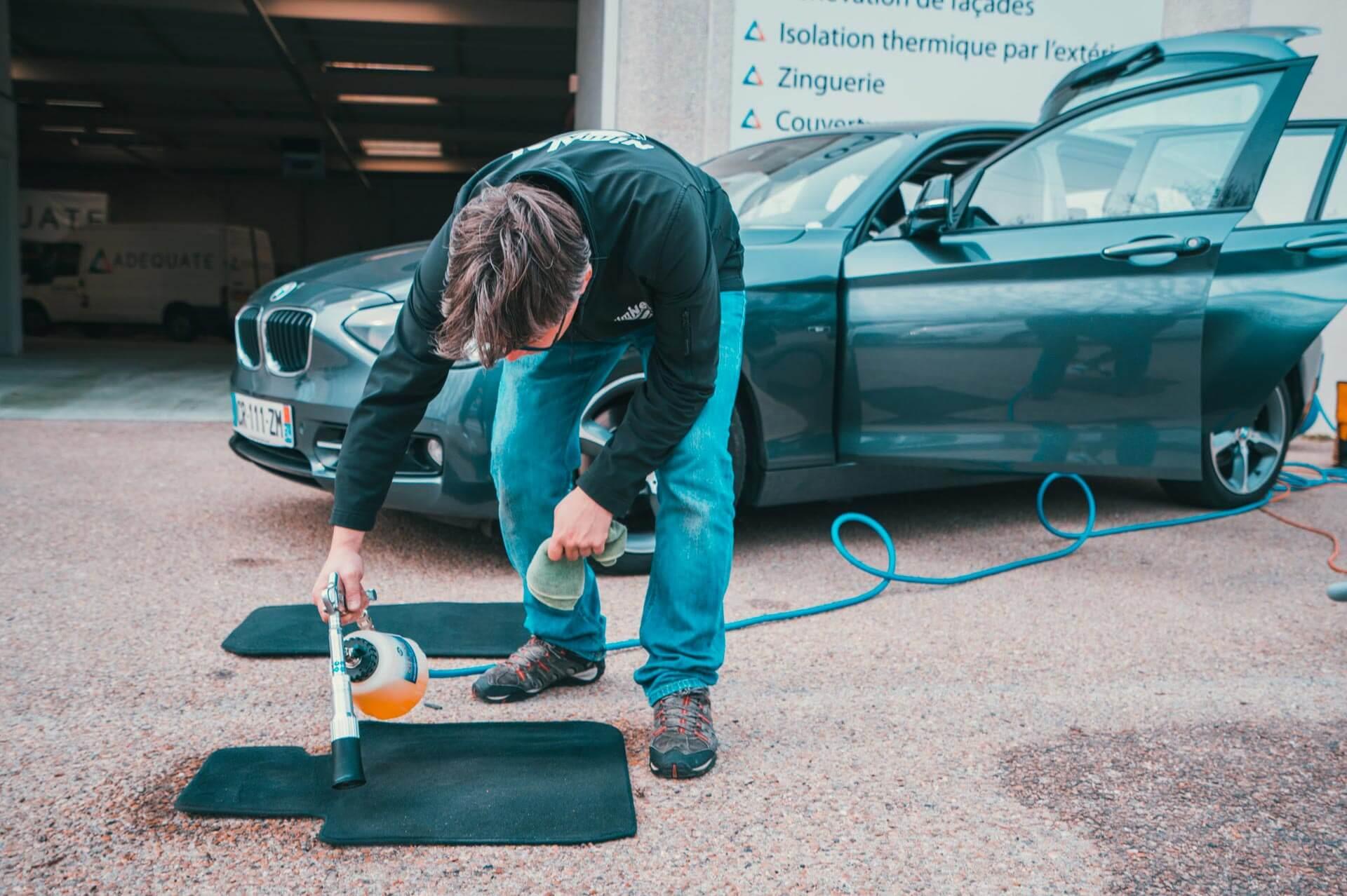 Le lavage des tapis sans eau - Nettoyage de véhicules professionnels et utilitaires